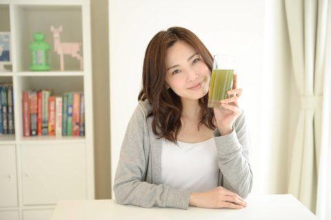 芸能人が飲んでいる青汁を口コミ数や検索数からランキング形式で紹介!